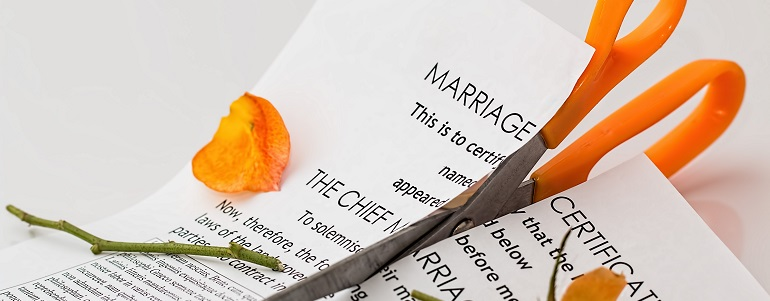 Two people should never be forced to remain married to each other. If a guy badly wants to live with his parents after marriage, and the girl is 100% opposed to it, what's wrong with granting a divorce? It's the right thing to do. And the same thing should happen if the genders are reversed.